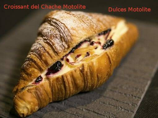Tapa Croissant del Chache Motolite en Dulces Motolite- X ruta Tapa y el cóctel de Cehegín