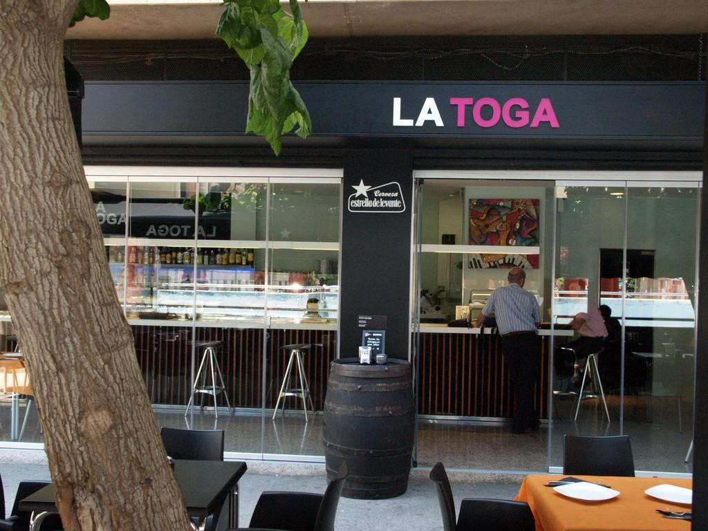 La Toga Bar