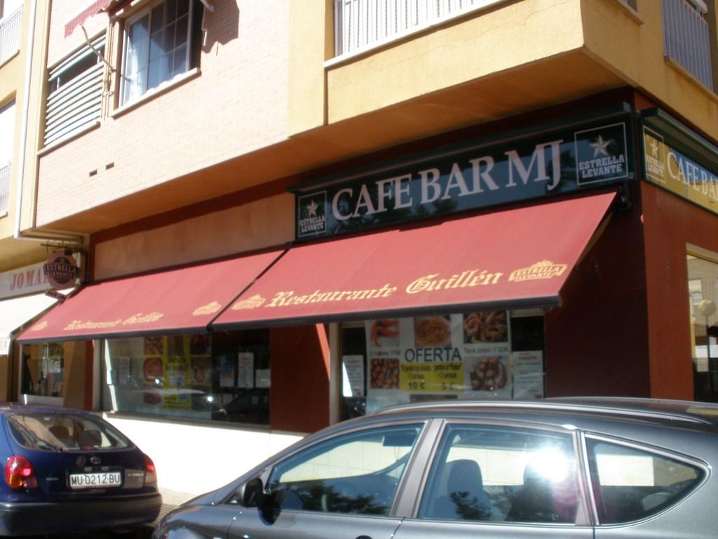 Café Bar MJ