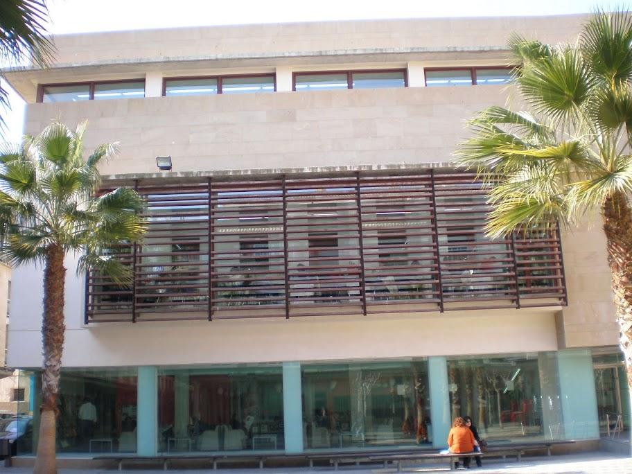 Biblioteca Pública Pilar Barnés de Lorca
