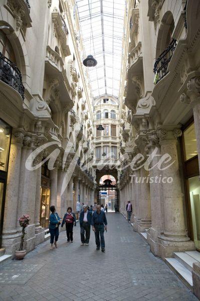 Galeria Comercial Pasaje Lodares de Albacete