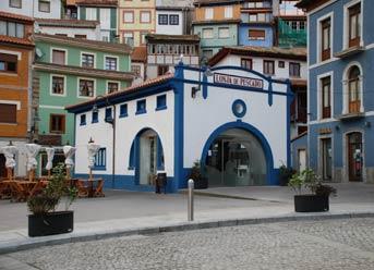Museo Aula de los Pixuetos y la Mar de Cudillero