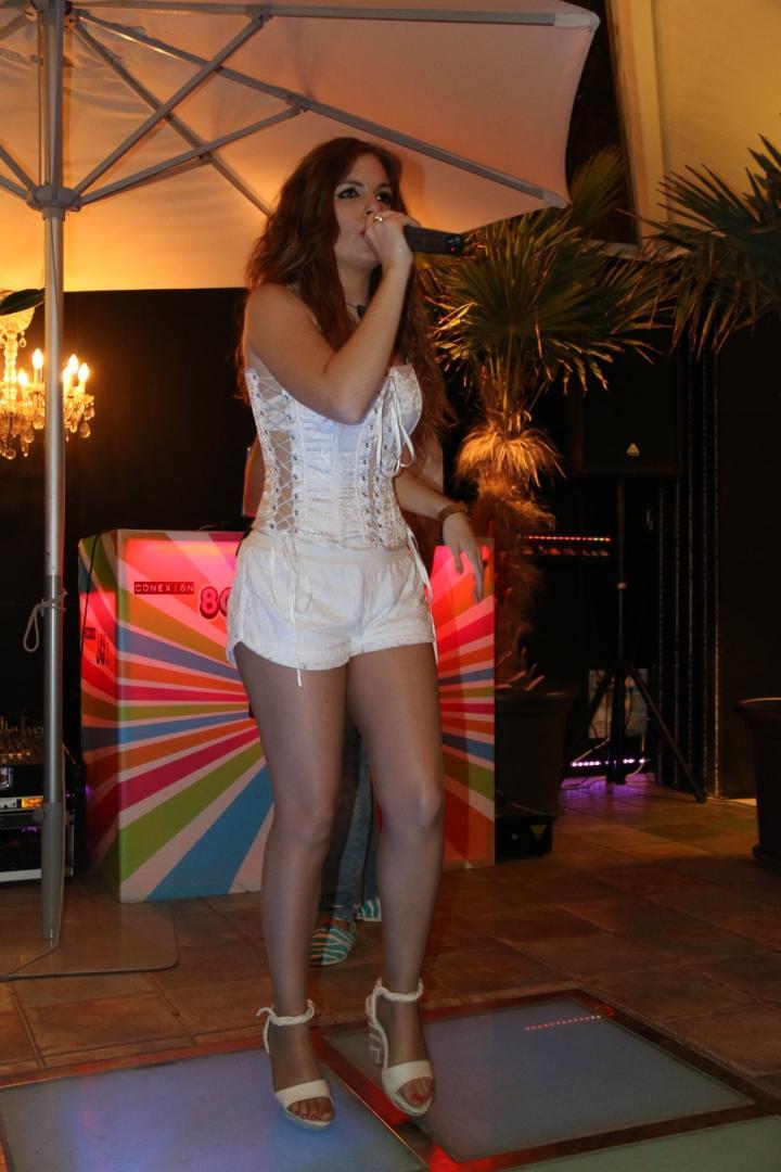 Actuación DJ, Vocal y Violín en Oasis de Las Palmeras