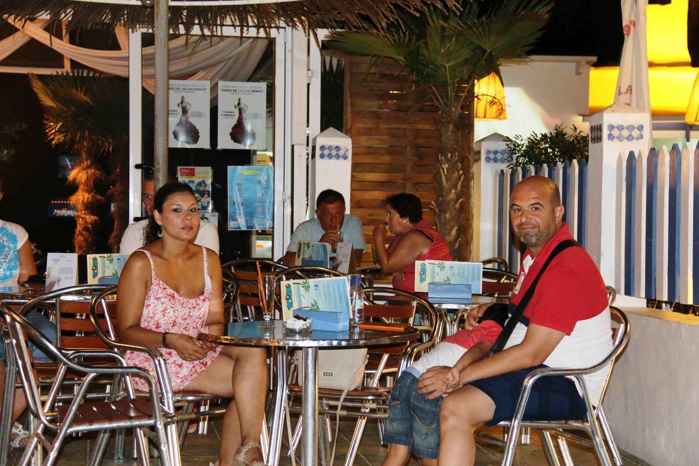 Inauguración Chill out Oasis Las Palmeras con Conexión 80