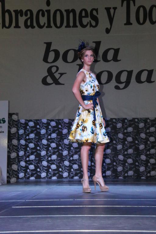 Desfile Moda Fiesta por TONI MODAS en Ifepa