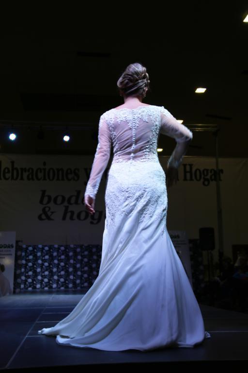 Desfile Moda Novias por TONI MODAS en Ifepa