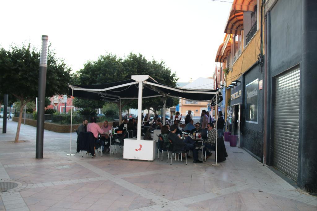 Fiesta Larios 12 en Candela Archena