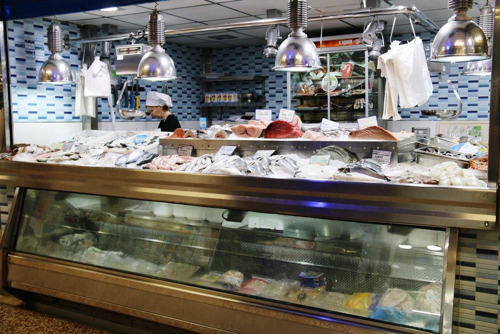 Reinaguración Pescadería Encarni Por Bar La Plaza