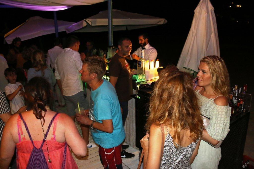 Inauguración Chill-Out Oasis Las Palmeras Verano 2016