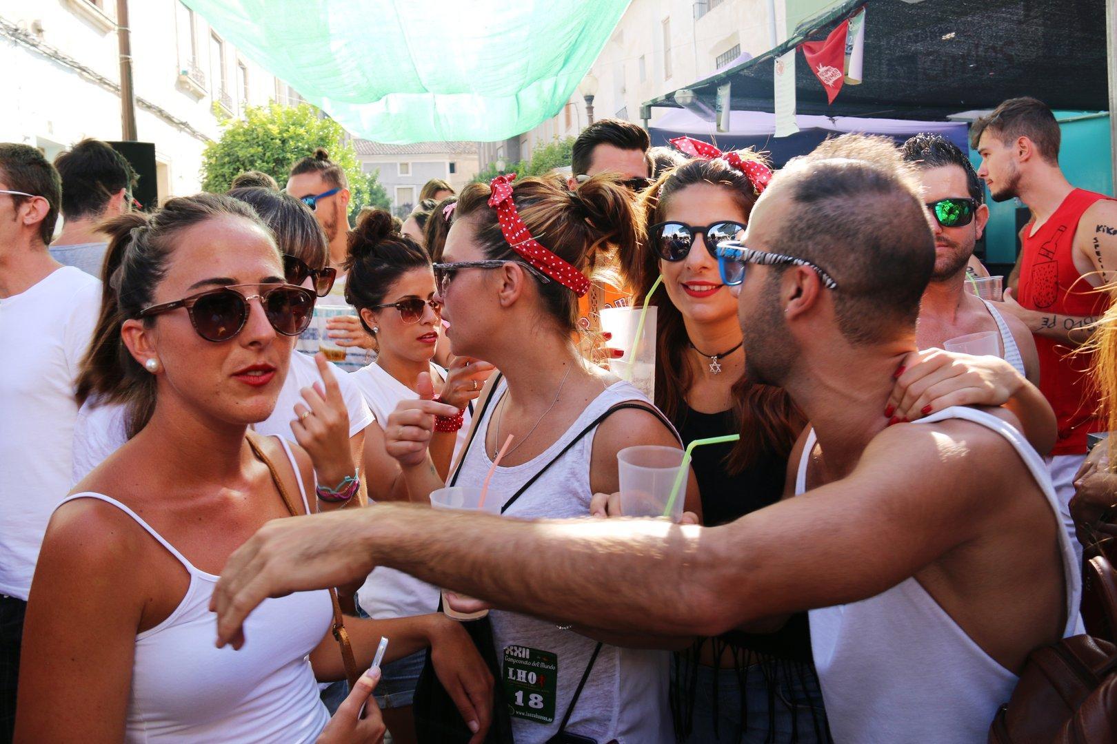Fiestas de cieza 2016 Viernes 26 y Lanzamiento de Hueso de Oliva
