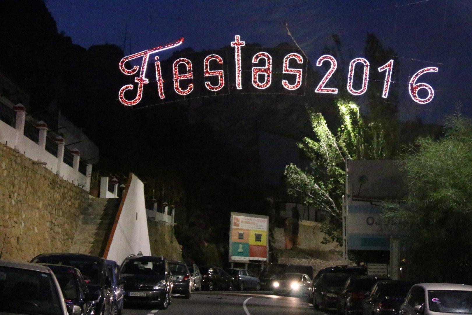 Fiestas de ojós 2016. Domingo. Cohetada 2016. Castillo de fuegos artificiales