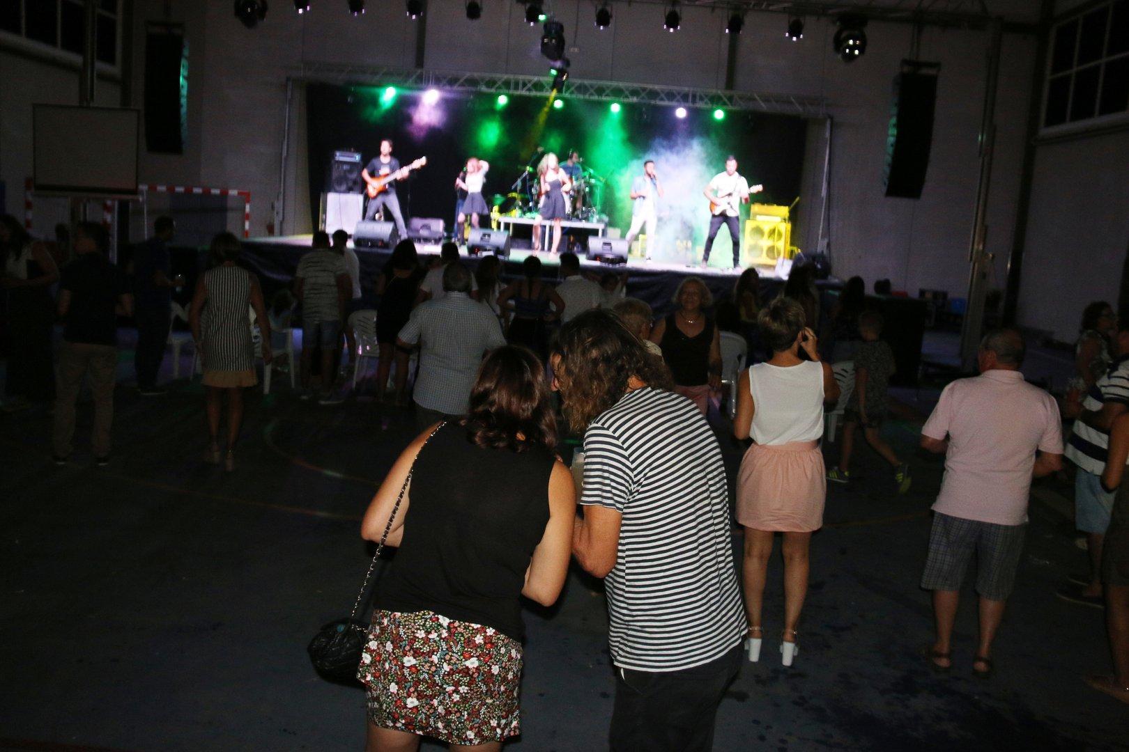 Fiestas dia Ojós-Viernes 26 Orquesta Gravity