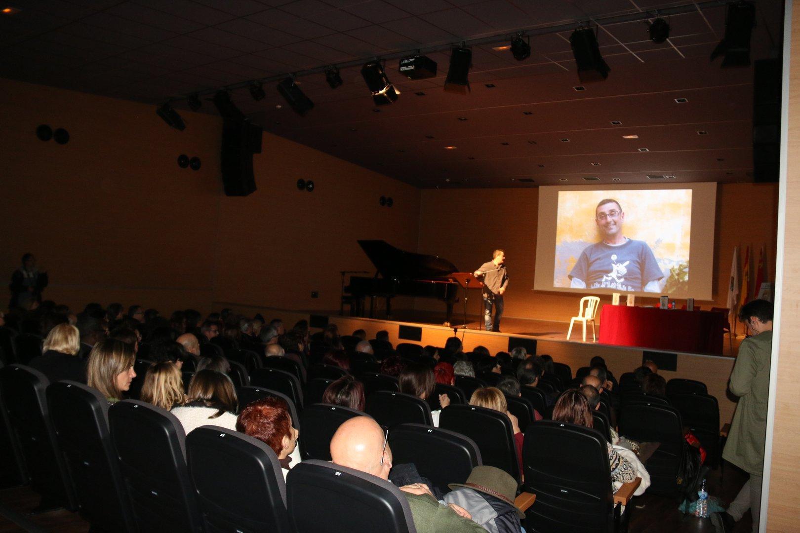Homenaje a Ferrando, Presentación Mi Poesía no es Poesía