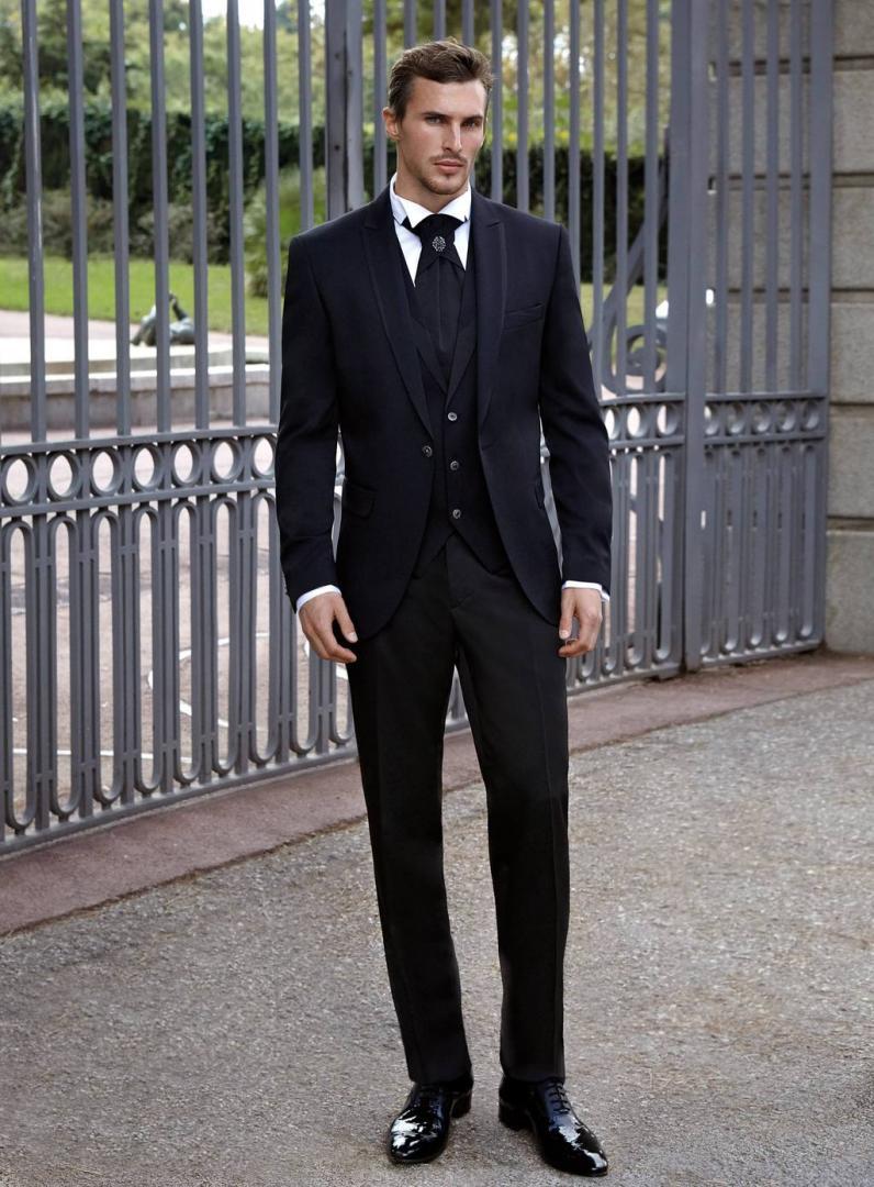 Colección Moda Caballero Uomo 2019 en Modas Carbonell de Molina