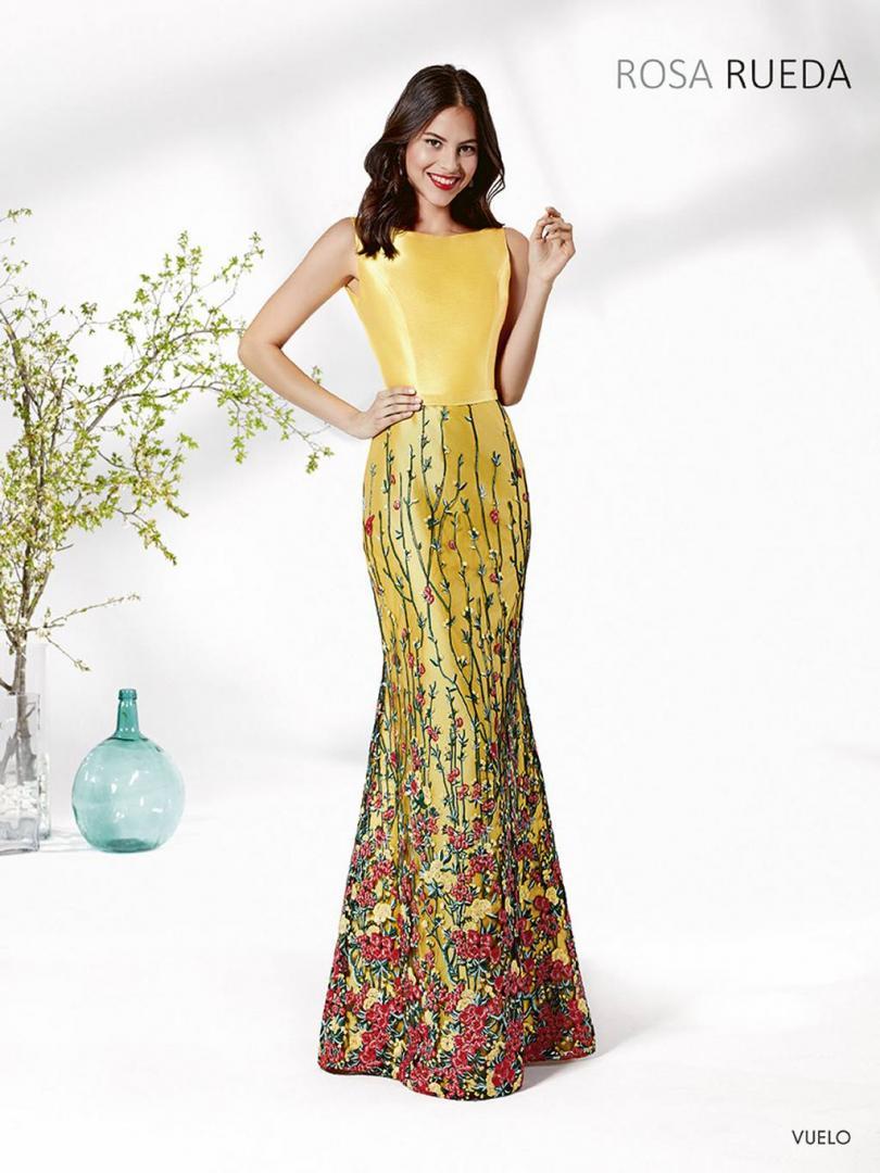 Colección Trajes de Ceremonia Manila 2019 - Modas Carbonell en Molina