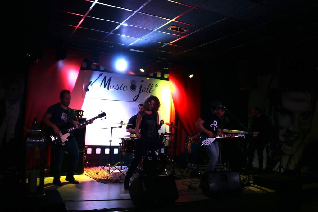 Concierto Clemenza el Molina juventud y Talento 2017 en Music joll