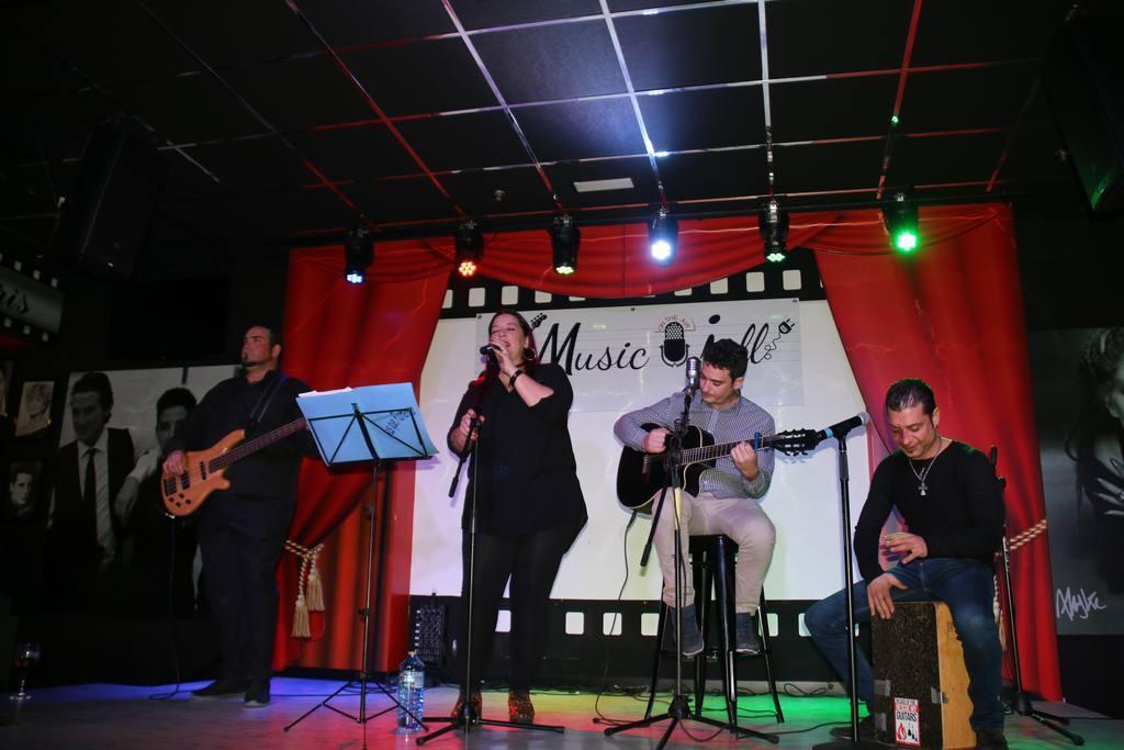 Concierto de Más que Flamenco en Music Joll de Molina de Segura