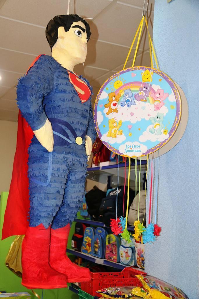 Personajes de Acción y SuperHéroes en Juguetería Cash Luci
